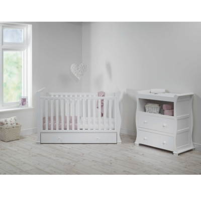 East Coast Alaska sleigh 2 piece nursery room set white