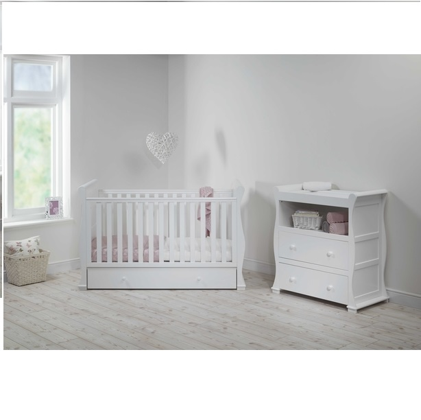 alaska sleigh 2 piece nursery room set 500