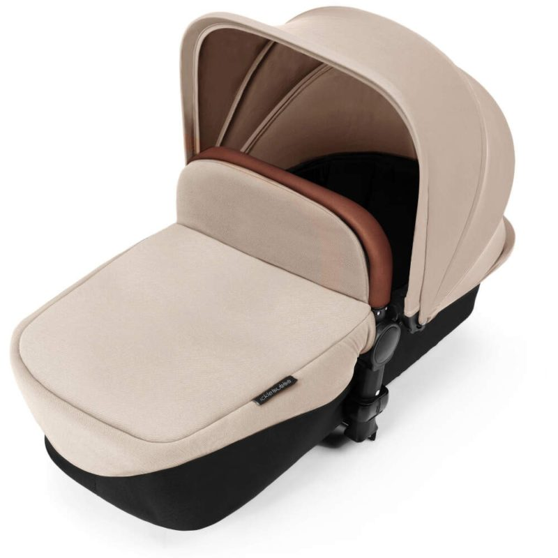 Stomp V3_i-Size_All in One with Isofix_Black Frame_Sand Carrycot