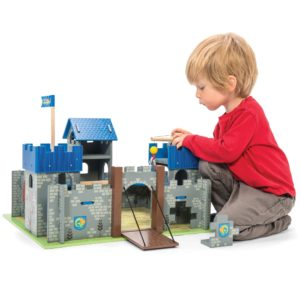 Le Toy Van Excalibur Castle 2