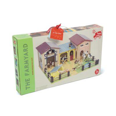 Le Toy Van The Farmyard 2