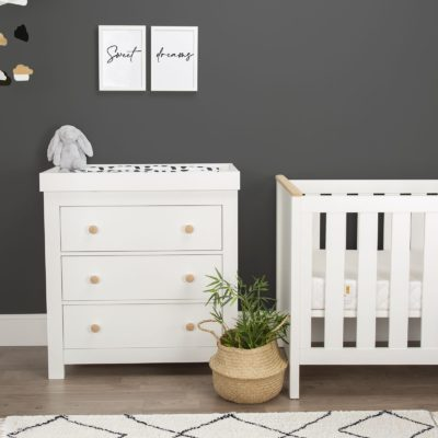 CuddleCo Aylesbury Ash/White 2 Piece Nursery Set